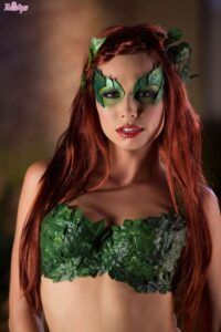 Aidra Fox – Cosplay da Hera Venenosa