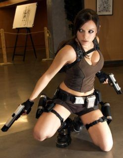 Lara Croft – Cosplay Sexy – Fotos Reais